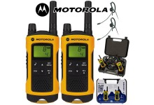 10Km Motorola TLKR T80 Extreme Two Way Radio Walkie Talkie Travel Pack with 2 x Headsets for Skiing & Go Karting - Twin